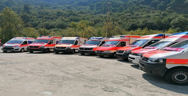 Gift from Germany , Ambulances equipped for civil defense were distributed in various regions.